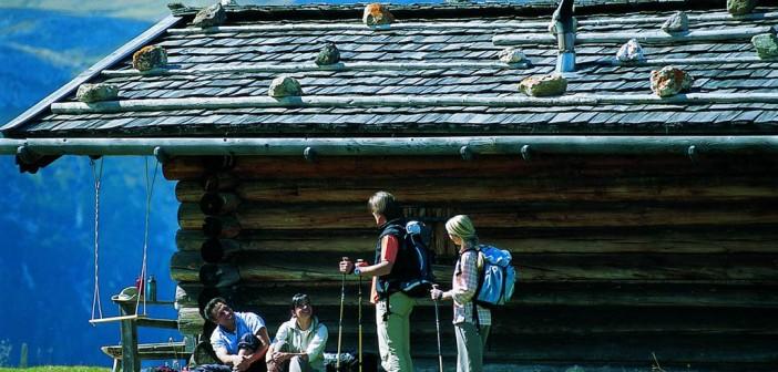 Wandern in den Dolomiten – Bergluft atmen